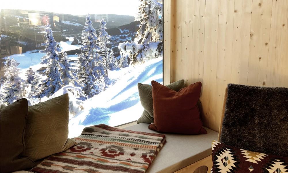 Cabin window bench